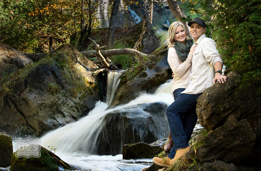 Inglis_Falls_Engagement_Photos_002