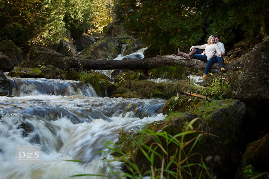 Inglis_Falls_Engagement_Photos_005