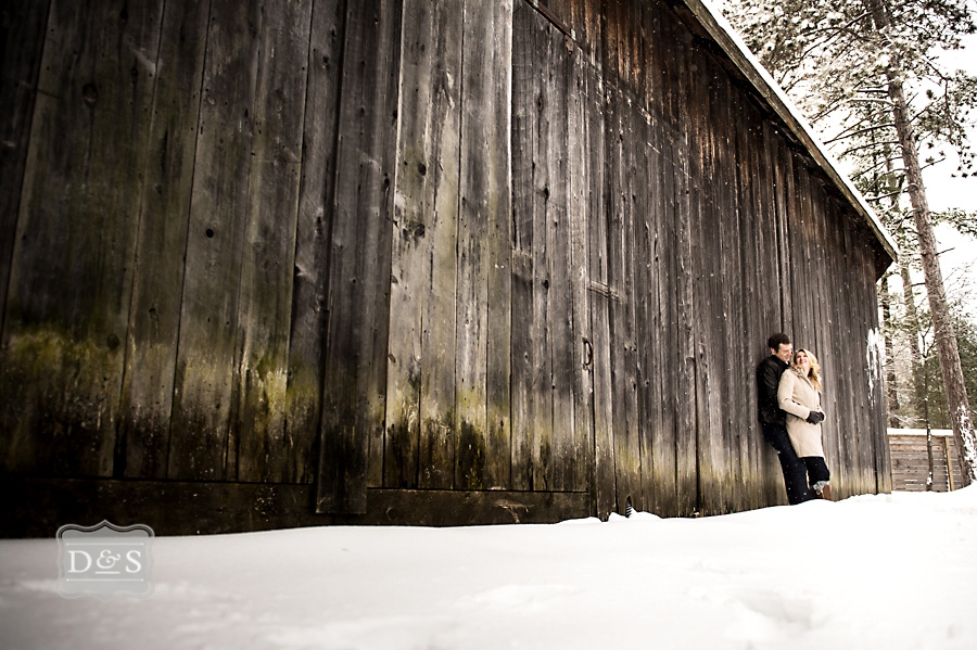 barrie_winter_engagement_photos_002