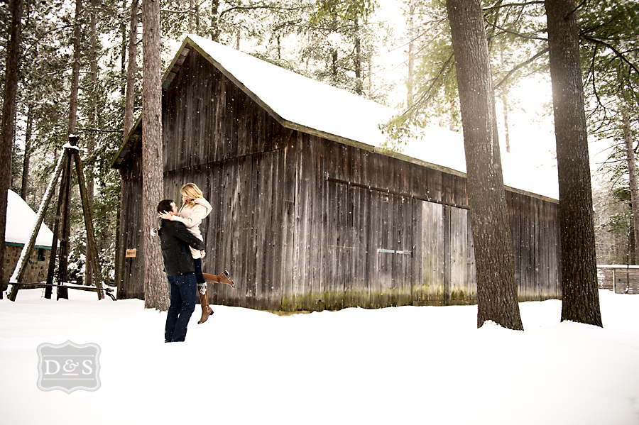 barrie_winter_engagement_photos_016