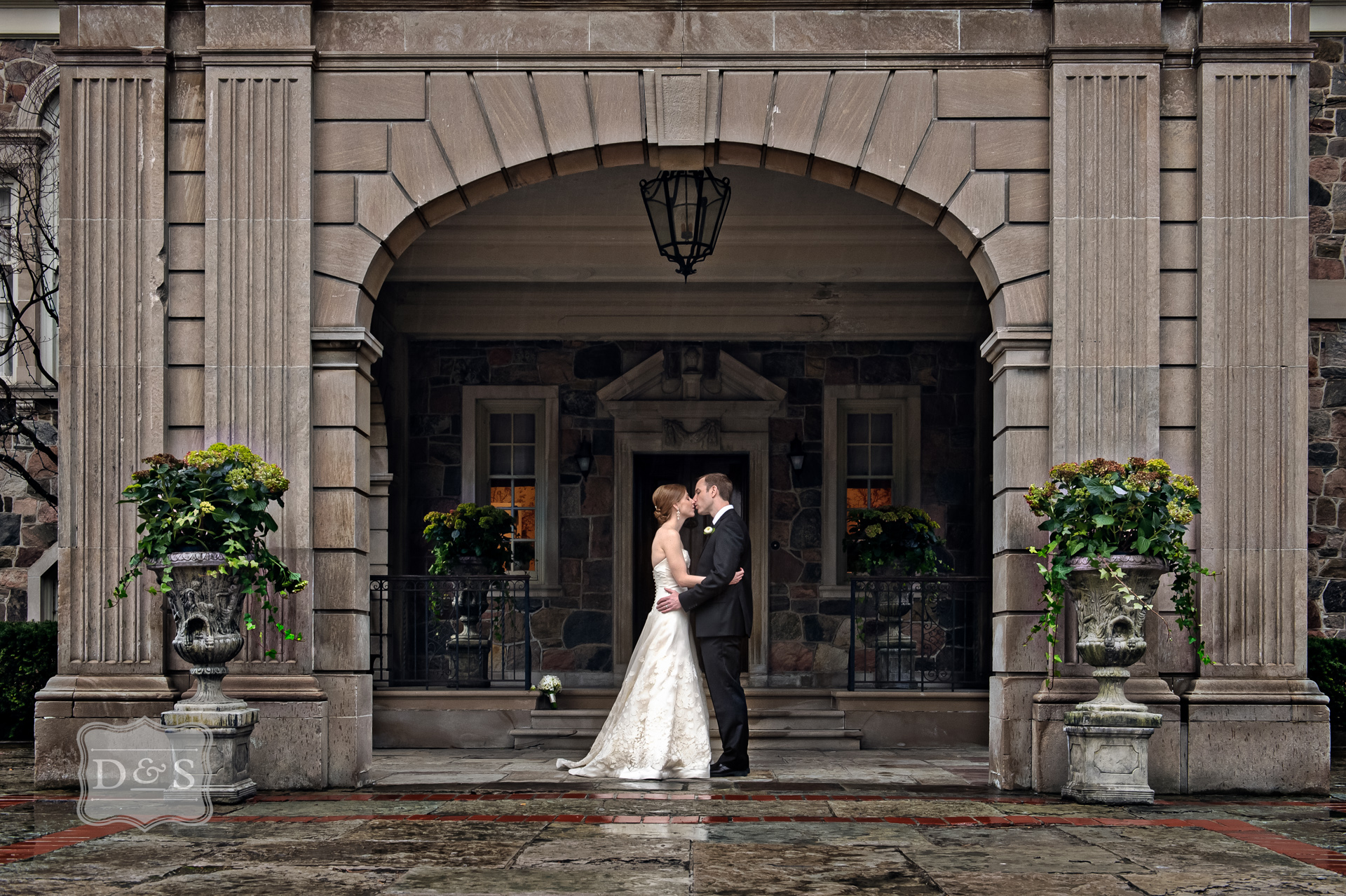 Graydon_Hall_Manor_Wedding_001