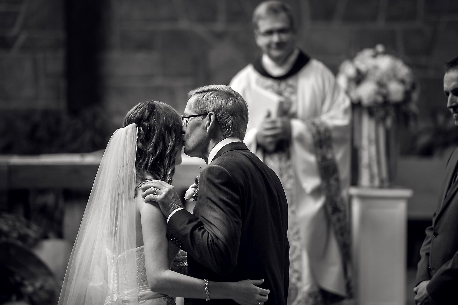 Nathan & Linda | Brooksfield Farms Wedding | Muskoka Wedding Photography11