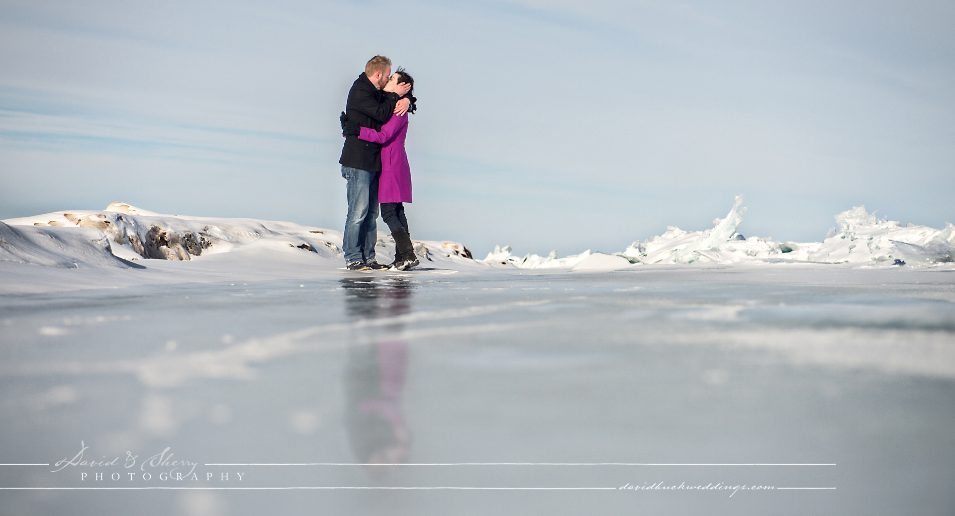 winter_engagement_photos_frozen_lake_14