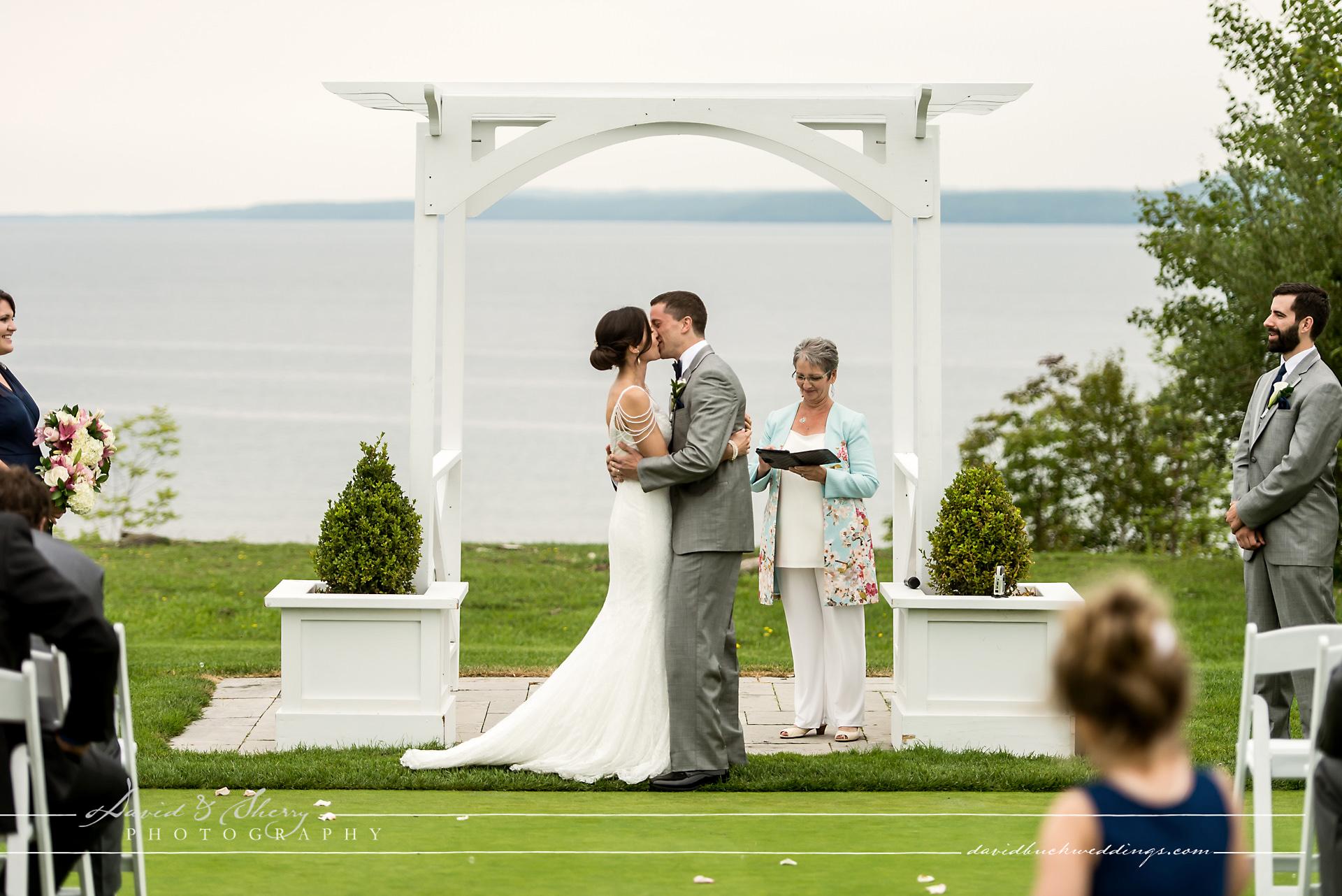 Cobble_Beach_Wedding_Photography_024